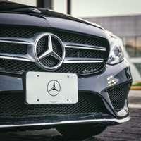 Svart bil Mercedes