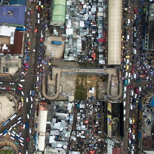 αεροφωτογραφία φωτογραφία του οχήματος στην πόλη
