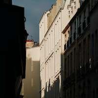 κτίριο από λευκό μπετόν