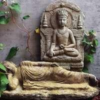sovande Buddha-statyer