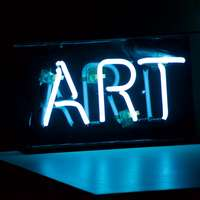 Sinal de néon Art azul ligado