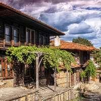 τα παλιά σπίτια στον γερανό