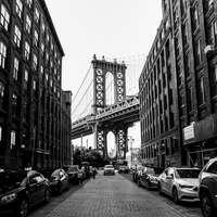 Manhattan Bridge, New York během dne