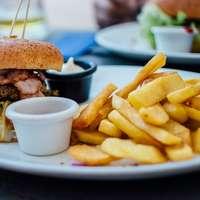 selective focus photography of burger patty, mayonnaise