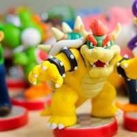 Super Mario character figurines sliding puzzle